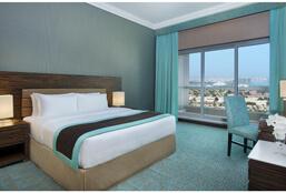 2_Bedroom_Suite_-_King_Room1.jpg