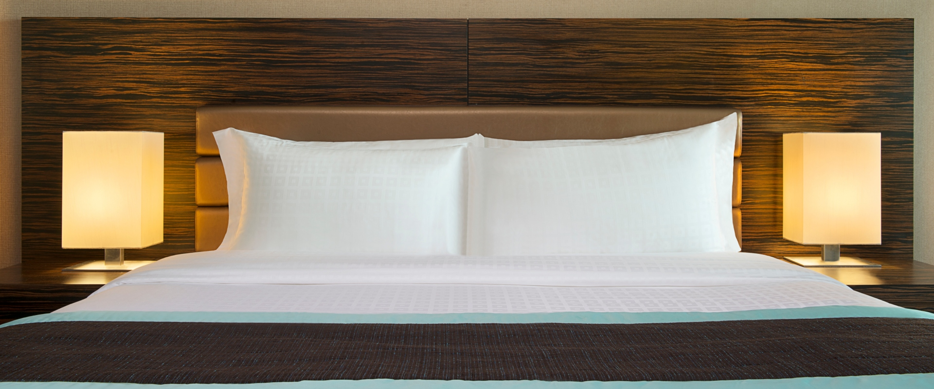 King_Bed_Detail_(1)1.jpg